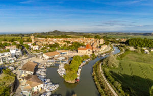 Port et village de Colombiers, vue aérienne