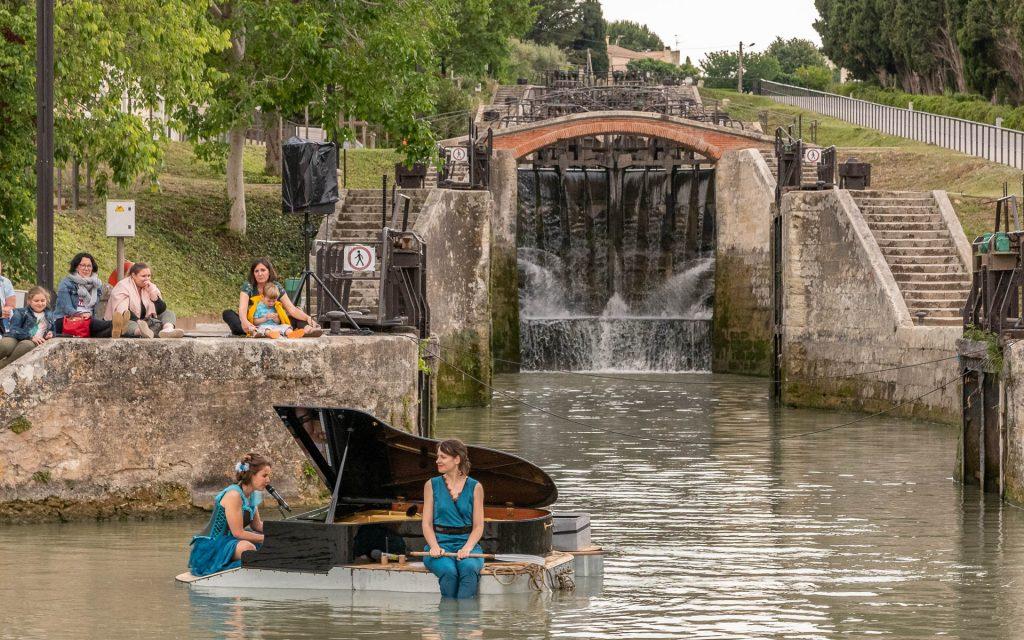 Piano sur l'eau aux 9 Ecluses de Fonseranes