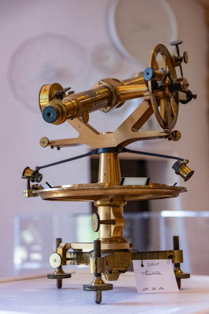 Instrument de mesure ayant servi dans la construction du Canal du Midi