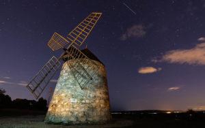 Moulin de Nissan-lez-Ensérune la nuit