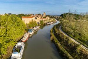 Colombiers et le Canal du Midi, vue aérienne