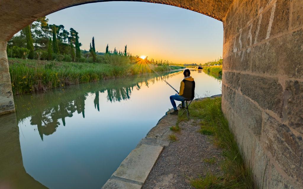 Pêche dans le Canal du Midi à Poilhes